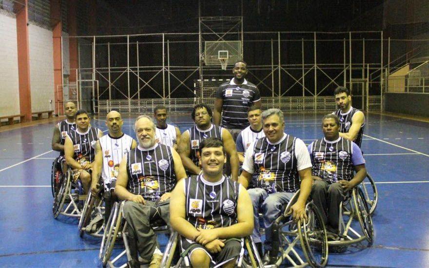 Revide, Basquete adaptado do Comercial ultrapassa as quatro linhas da quadra, Comercial, basquete, deficientes
