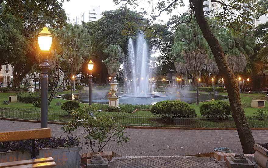 Revide, Praça de Ribeirão Preto recebe campanha de conscientização sobre doença de coluna, praça, xv de novembro, ribeirão preto, campanha, conscientização, doença espondilite anquilosante, coluna, articulações